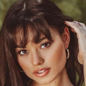 Ariel Yasmine Headshot 10 of 10