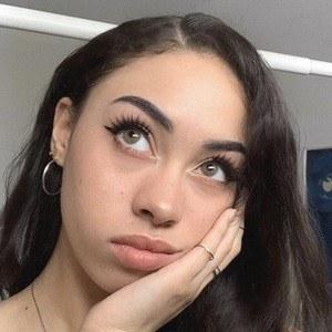 Arielle Tara 7 of 10