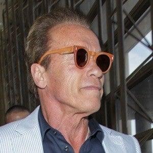Arnold Schwarzenegger 2 of 10