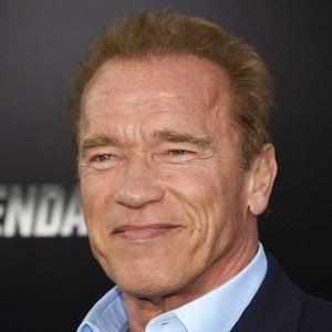 Arnold Schwarzenegger 8 of 10
