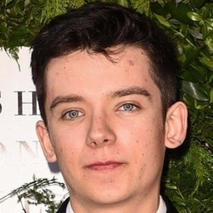 Asa Butterfield 6 of 10