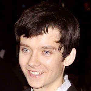 Asa Butterfield 7 of 10