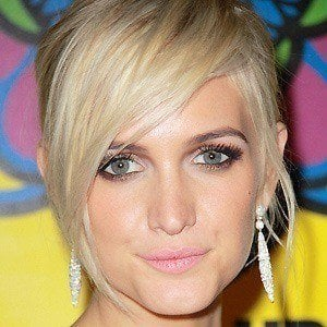 Ashlee Simpson 3 of 8