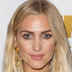 Ashlee Simpson 6 of 8