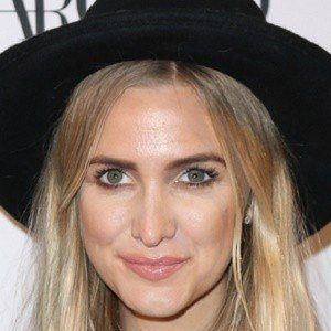 Ashlee Simpson 7 of 8