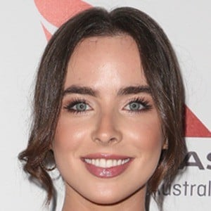 Ashleigh Brewer 6 of 9