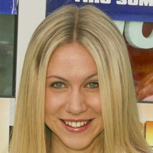 Ashley Eckstein 7 of 10