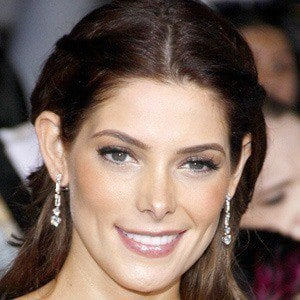Ashley Greene 3 of 10
