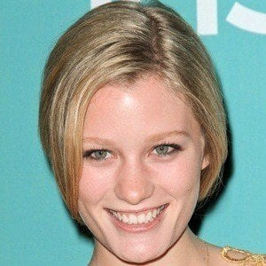 Ashley Hinshaw 5 of 6