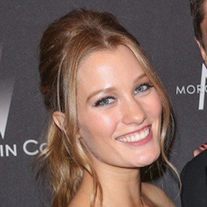 Ashley Hinshaw 6 of 6