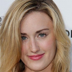 Ashley Johnson 3 of 5