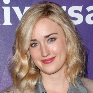 Ashley Johnson 5 of 5