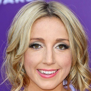Ashley Monroe 3 of 5