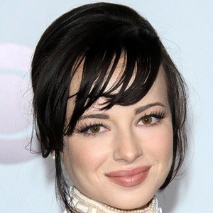 Ashley Rickards 8 of 10