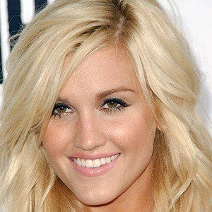 Ashley Roberts 2 of 10