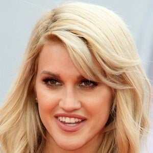 Ashley Roberts 7 of 10