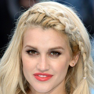 Ashley Roberts 8 of 10