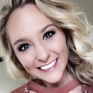 Ashley Wilson 5 of 6