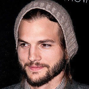 Ashton Kutcher 2 of 10