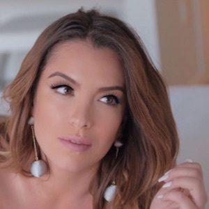 Astrid Bavaresco 7 of 10
