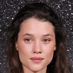 Astrid Berges-Frisbey 8 of 10