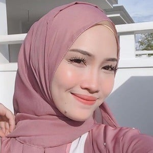 Asyalliee Ahmad 5 of 6