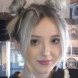Aubrie Elle Headshot 8 of 10