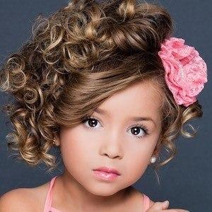 Aurelia Taylor 4 of 5