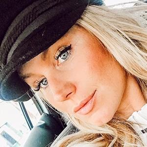 Aurelie Van Daelen 6 of 6