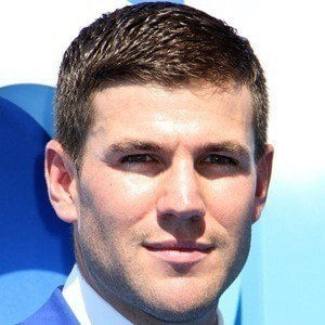 Austin Stowell 2 of 5