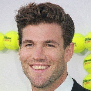 Austin Stowell 5 of 5