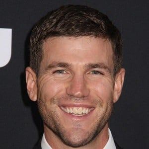 Austin Stowell 9 of 10