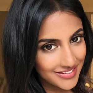 Avina Shah 5 of 6