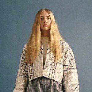 Ayla Tesler-Mabe 4 of 6