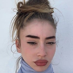 Ayla Weissman 2 of 5