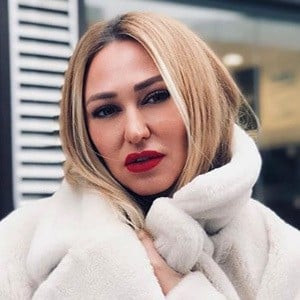 Aynur Guzel Headshot 4 of 5