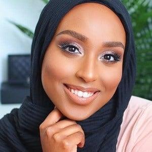 Aysha Abdul 2 of 7