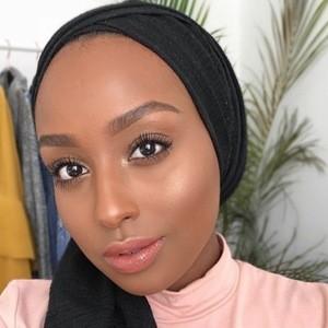 Aysha Abdul 5 of 7