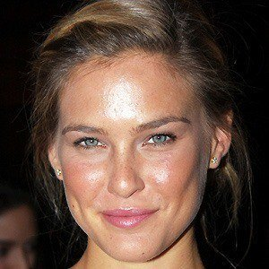 Bar Refaeli 2 of 10