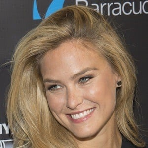 Bar Refaeli 10 of 10