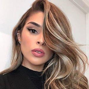 Barbara De Medeiros 2 of 5