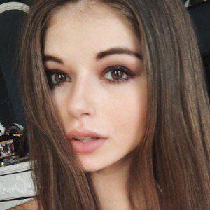 Bella Ashlynn 3 of 8