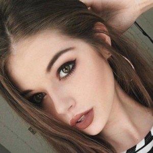 Bella Ashlynn 7 of 8