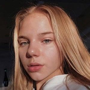 Bella Klassen 4 of 6