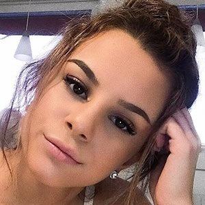 Bella Lupascu 4 of 6