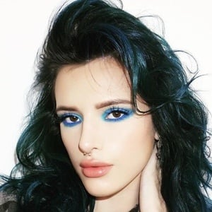 Bella Thorne 5 of 10