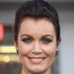 Bellamy Young 2 of 10