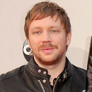 The 32-year old son of father (?) and mother(?), 169 cm tall Ben McKee in 2018 photo