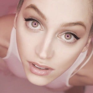 Betta Lemme 4 of 4