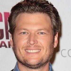 Blake shelton bio facts family famous birthdays